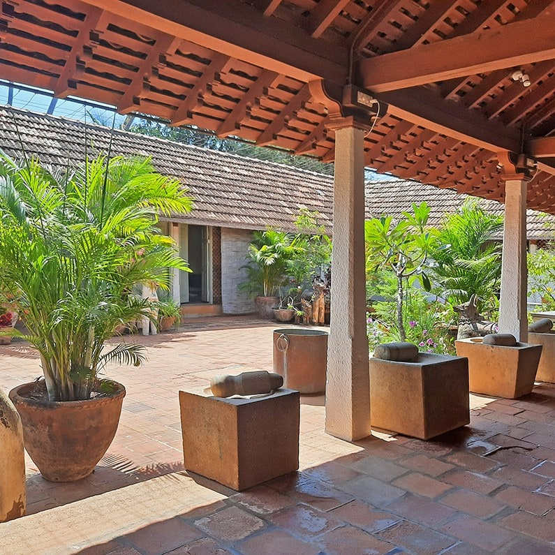 garden restaurant at Saratha Vilas boutique hotel